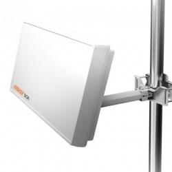 Selfsat H22D4 Flachantenne mit austauschbaren Quad LNB